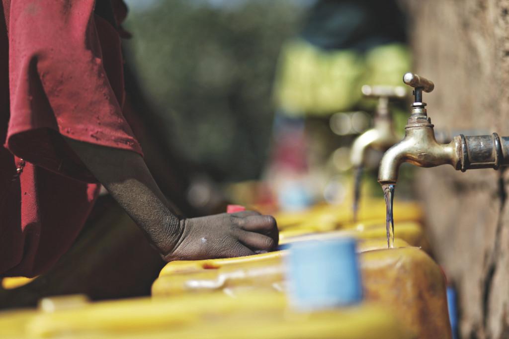 17488 - Vattenkälla i Etiopien (1)